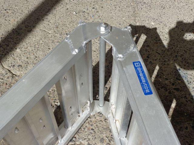 アルミブリッジ折りたたみ式 BAW-240-30-0.5-4